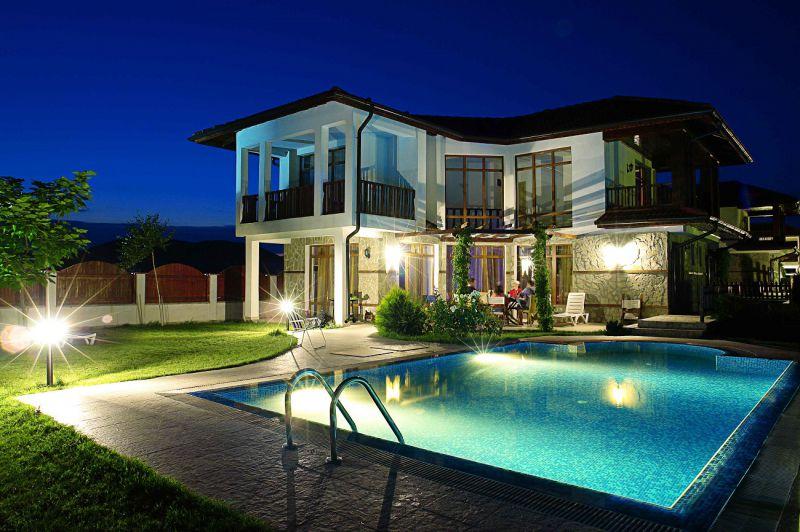Фото проектов двухэтажных домов с различный планировкой