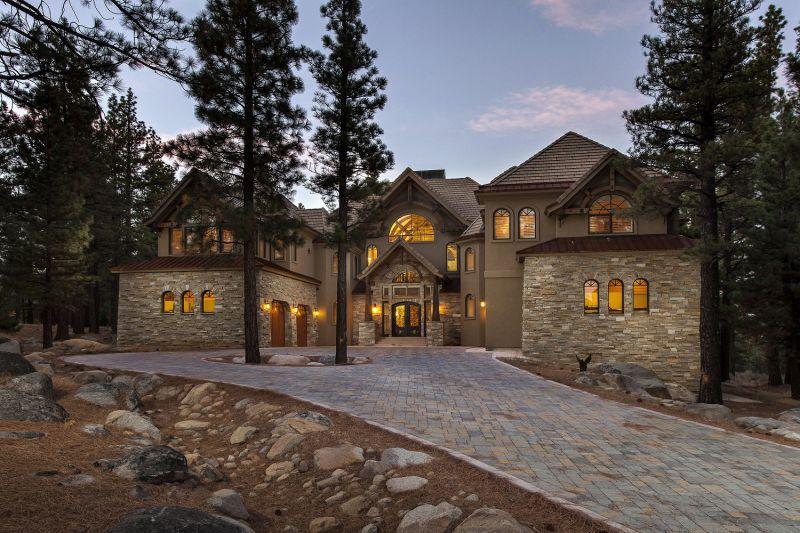 Фото цветных домов — подборка стильных красочных строений