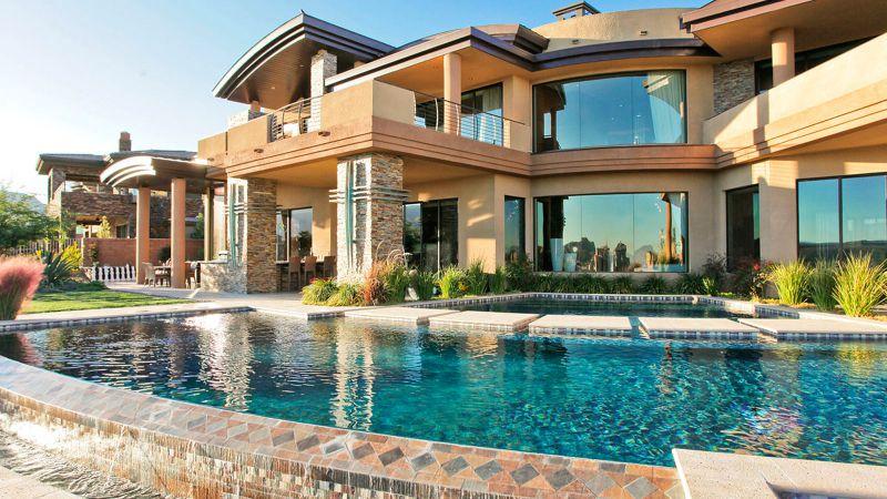 Фото дома с бассейном