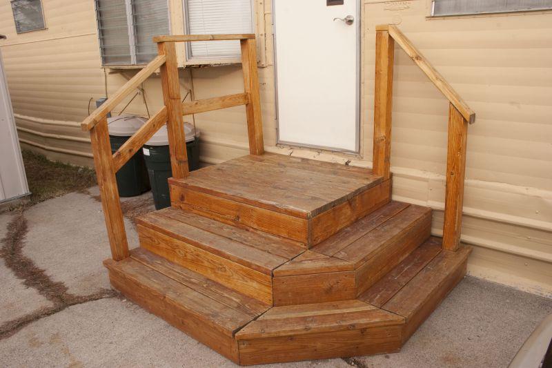 Лестница из дерева на даче своими руками фото 35