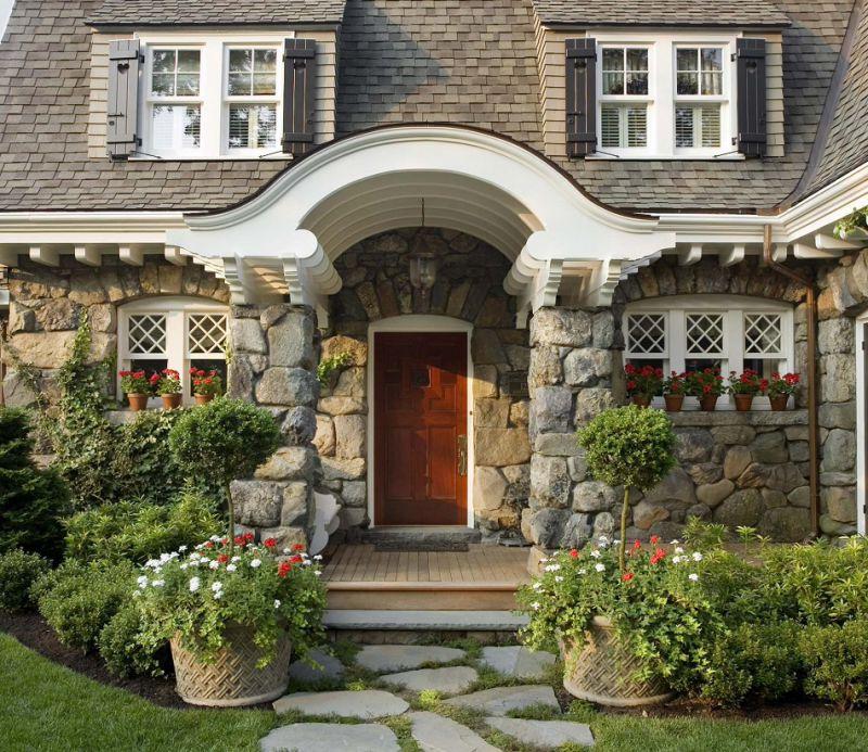 Подборка интересных фото по оформлению входа в дом